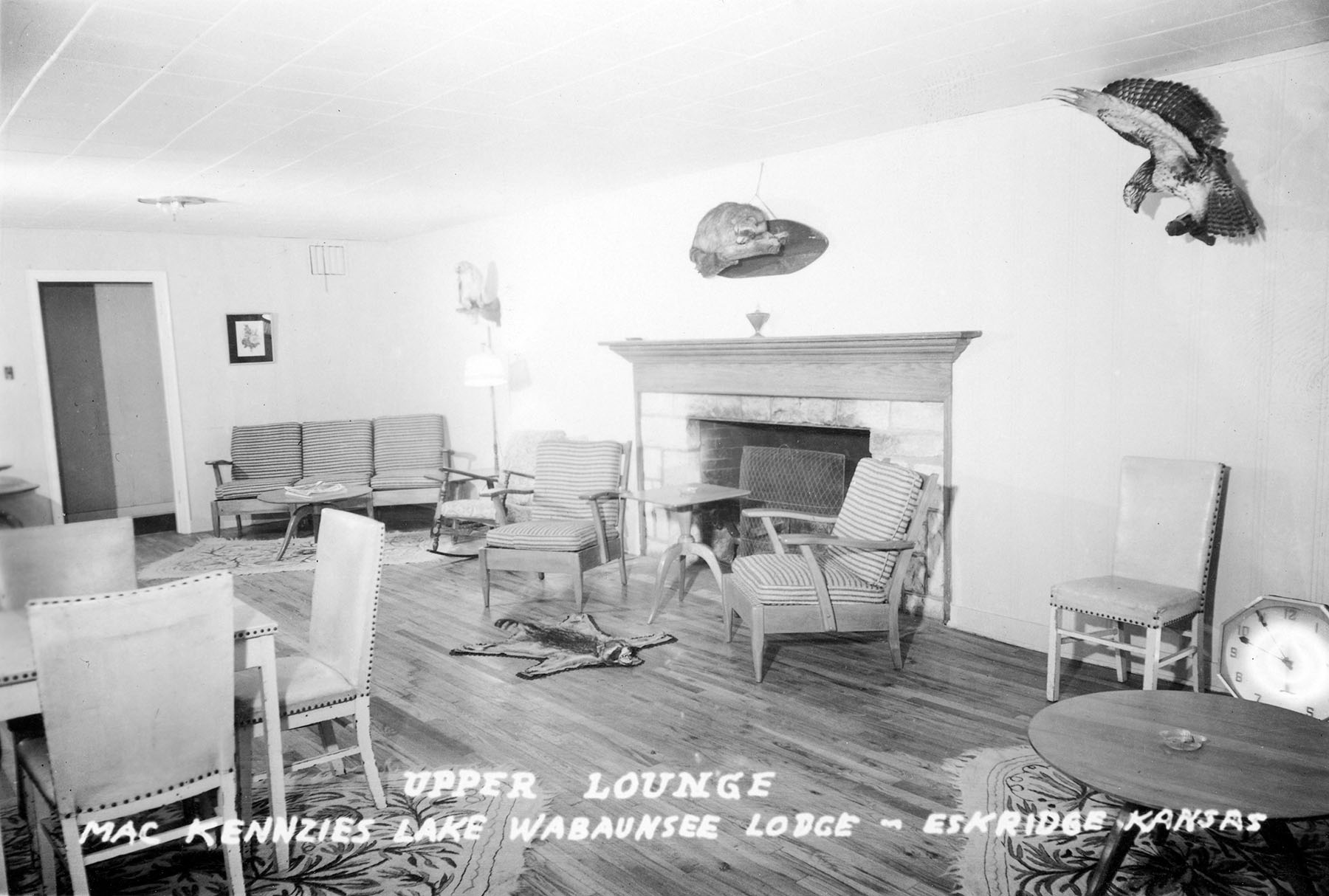 MacKenzie\'s Lake Wabaunsee Lodge, Upper Lounge – Wabaunsee County ...