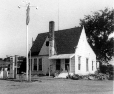 Carl and Margaret Daniel opened this station shortly after Carl returned from World War II. The station, a landmark on K-4 Highway, was located at the intersection of K-4 and Southwest Glick Road. The Native Stone Scenic Byway begins at this spot. Photo courtesy Margaret Daniel