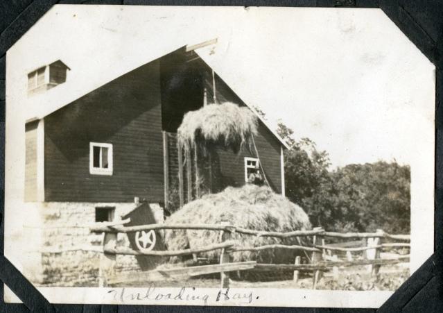 steinmeyer-farm-putting-up-hay