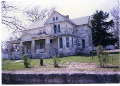 This view of the J. Y. Waugh home in Eskridge, Kansas dates from about 2000.